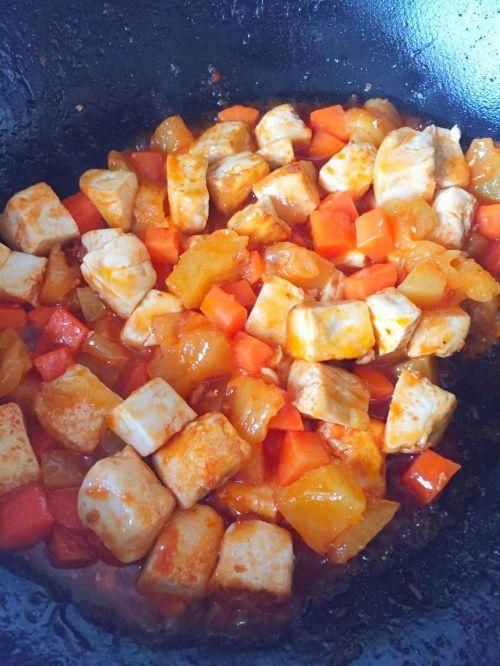 Pineapple fried tofu step 4